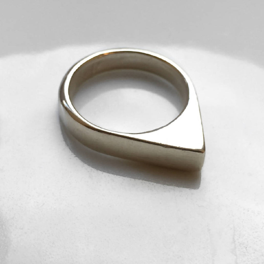 Mektoub - Sterling Silver Triangle Ring