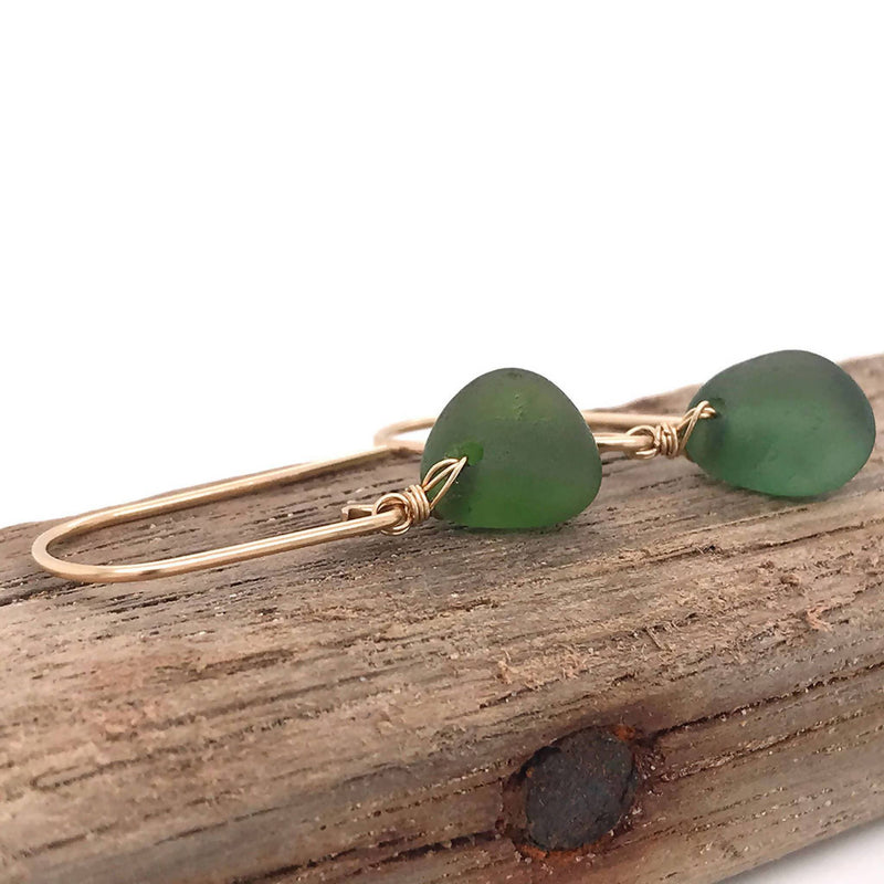 Green Seaglass Earrings Short – Gold