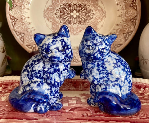Pair of Blue & White Calico Chintz Staffordshire Cats Transferware