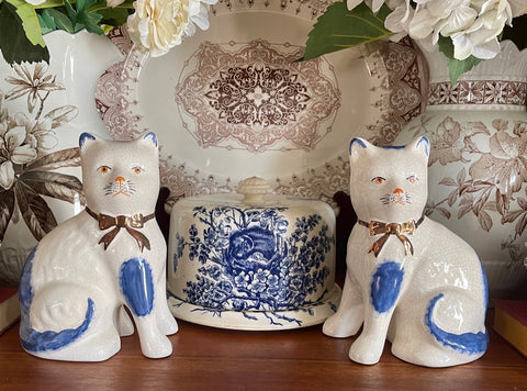 Pair Blue & White Kent English Staffordshire Mantle Cats w/ Gold Luster Bows