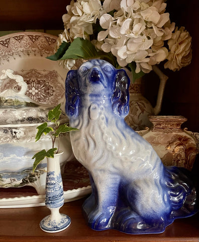 Large Antique Flow Blue English Staffordshire King Cavalier Spaniel Dog Figurine