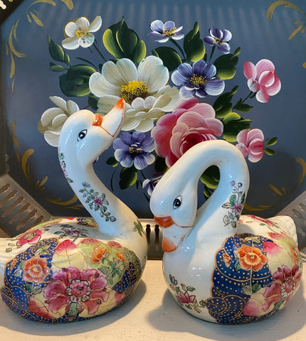 Vintage Pair of Chinese Tobacco Leaf Chinoiserie Duck Figurines