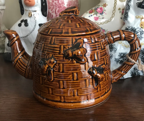 Vintage Amber Brown Majolica Bee Beehive TeaPot Basket Weave w/ Bee on Lid