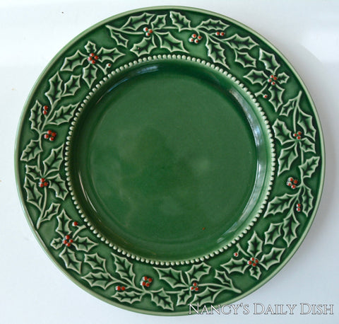 Set of 6 Green Majolica Holly Berry Christmas / Winter Dinner Plates or Chargers