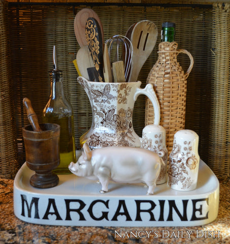 Vintage Country French Yorkshire Pig / Hog Figurine Farmhouse Kitchen Decor