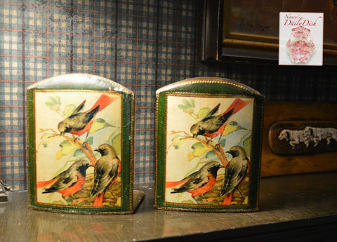Vintage Pair Italian Florentine Gilt Antique Gold Bird Themed Wood Bookends