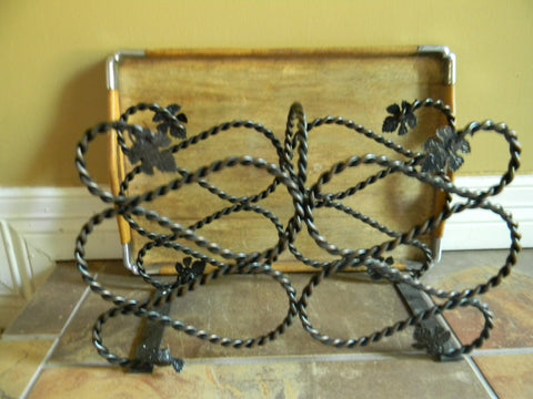 Braided Wire Wine Bottle Holder Rack w/ Grape Leaf Accents Twisted Bronze Color Iron / Metal