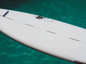 RSPro HexaTraction White edition on a DHD surfboard on a pool