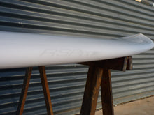 Load image into Gallery viewer, Full rail view of the Surf RSPro on a short board