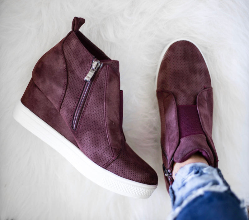 Tatum Wedge Sneakers - Plum