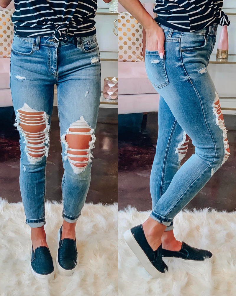 Clara Distressed Skinnies