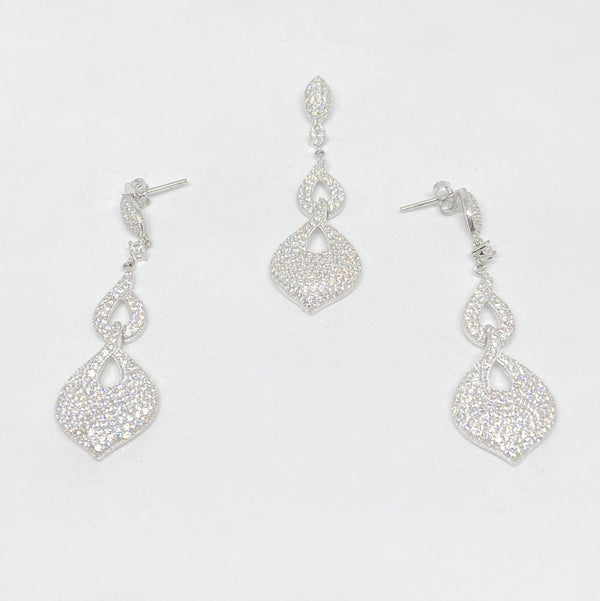 Silver Hanging Pendant With Earring