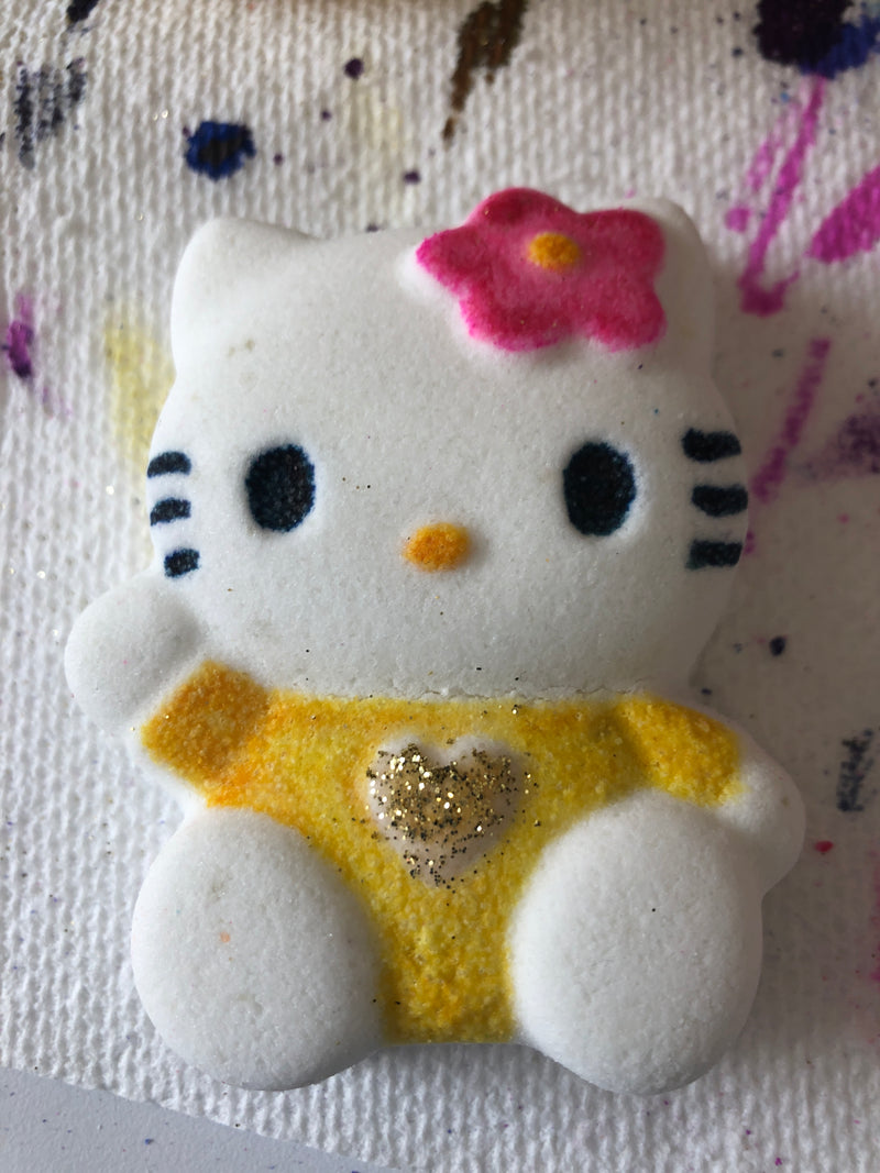 Hello Kitty - Ivory Anchors