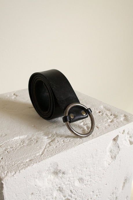 Vintage black leather ring buckle minimal adjustable belt // fits up to 42
