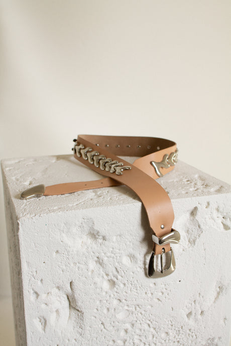 Vintage tan leather and silver wishbone belt // S (1551)