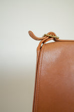 Load image into Gallery viewer, Vintage cognac leather Coach crossbody purse // N/A (1518)