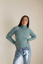 Load image into Gallery viewer, Vintage teal cotton chunky ribbed sweater // M (1406)