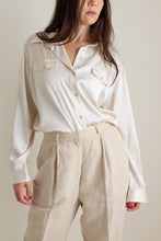 Load image into Gallery viewer, Vintage ivory silk charmeuse button up blouse // XL (1392)