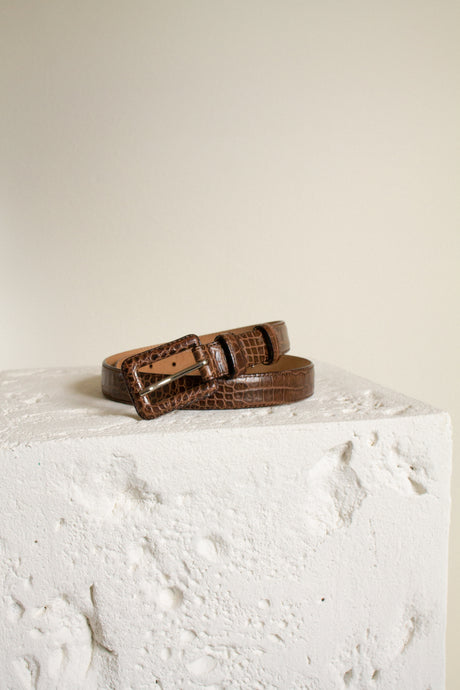 Vintage brown leather embossed skinny belt  // fits 29-33