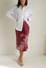 Load image into Gallery viewer, Y2K maroon silk floral skirt // S (1377)