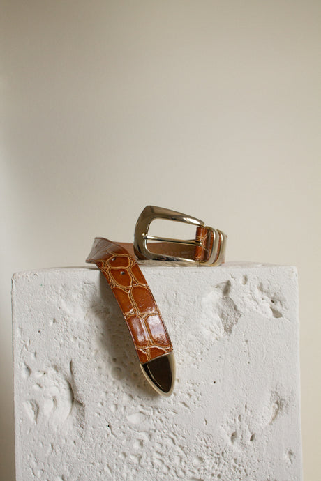Vintage brown patent leather and silver detail belt // 27-31