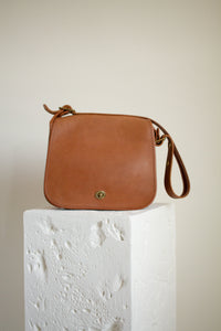 Vintage cognac leather Coach crossbody purse // N/A (1518)