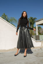 Load image into Gallery viewer, Vintage black leather full midi skirt // M (1793)