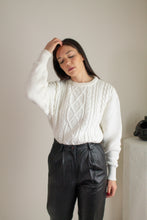 Load image into Gallery viewer, Vintage ivory cotton cable knit sweater // L (1675)
