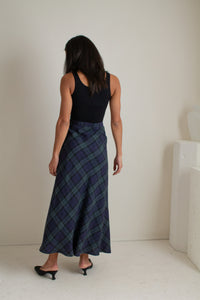 Vintage blue and green linen long plaid skirt // S (1905)