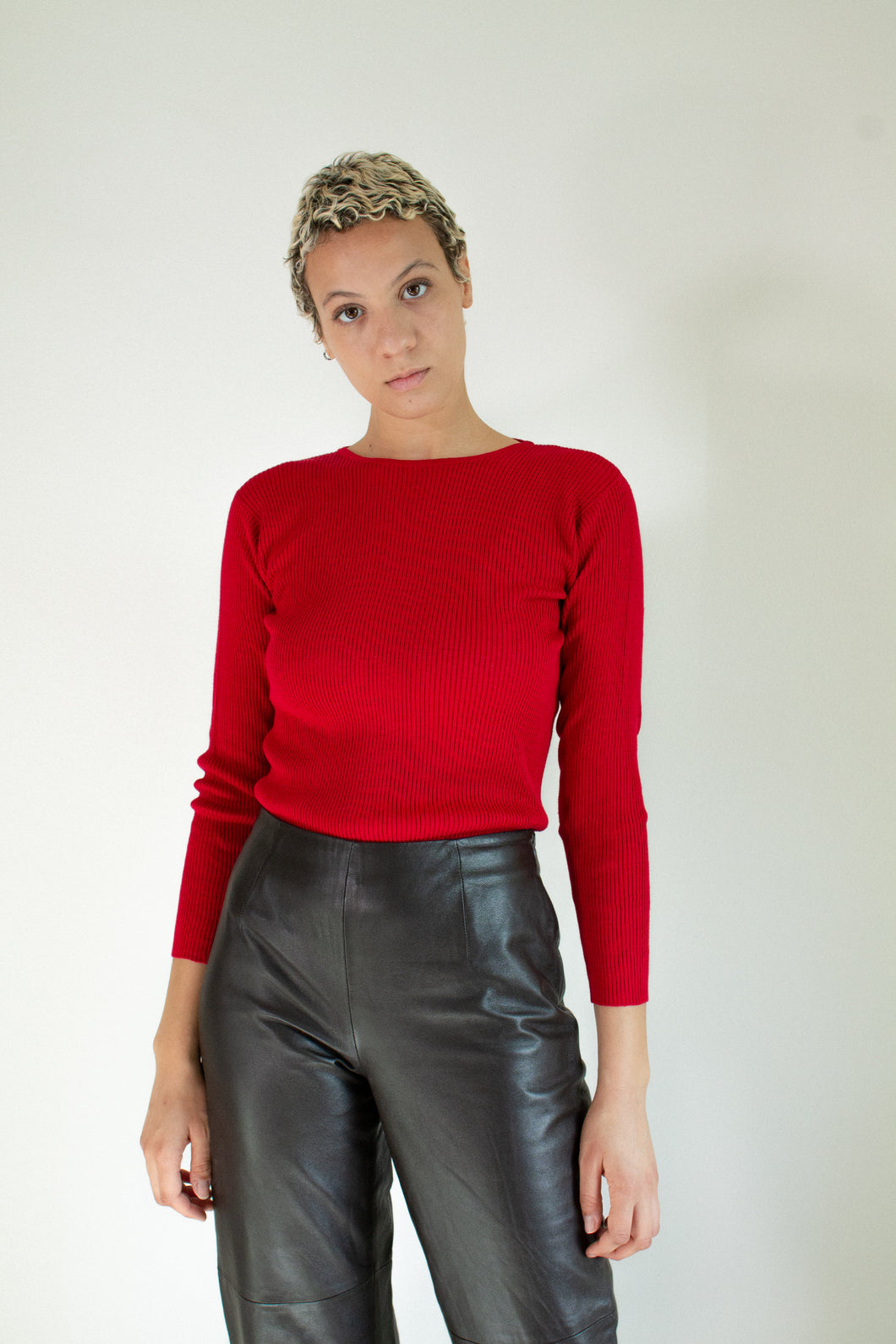Vintage red silk ribbed sweater // S (1889)