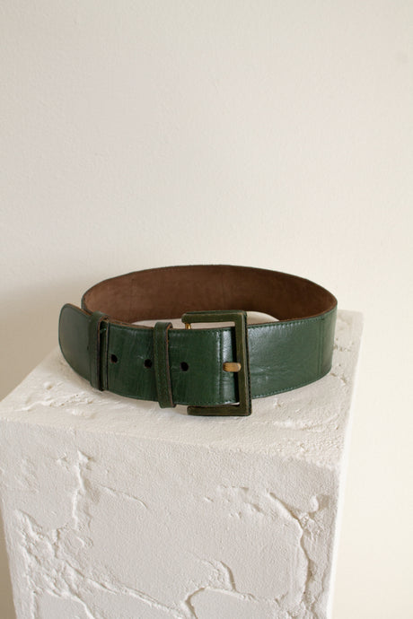 Vintage green leather wide belt // 28