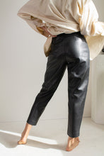 Load image into Gallery viewer, Vintage black leather flat front pants // XS (1726)