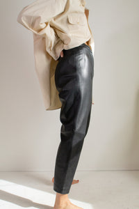 Vintage black leather flat front pants // XS (1726)