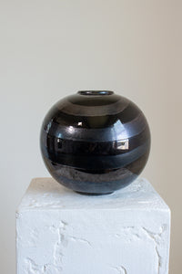 Vintage black and charcoal gray swirl round vase (D333)