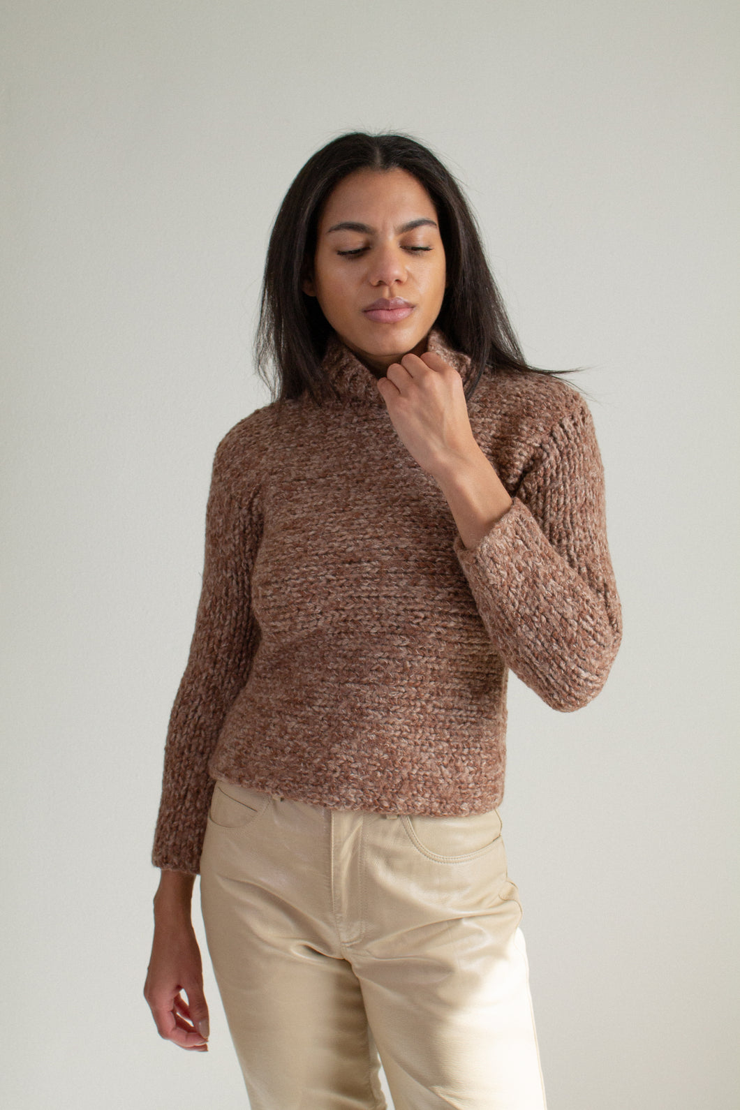 Vintage brown wool blend chunky knit turtleneck sweater // XXS-XS (1926)