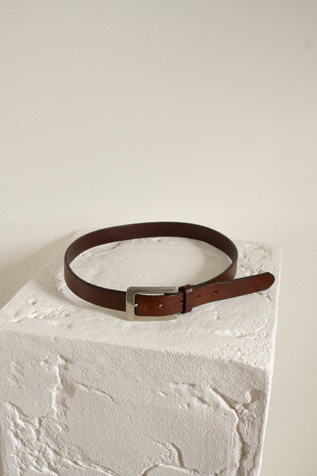 Vintage brown leather skinny belt // 27.5-31.5
