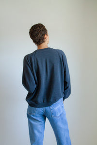 Vintage charcoal gray sweatshirt // L (1076)