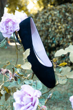 Load image into Gallery viewer, Raviro Classic Petite Flats Black