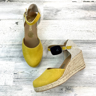 Primary Photo - BRAND:    CLOTHES MENTOR STYLE: SHOES HIGH HEEL COLOR: YELLOW SIZE: 7.5 OTHER INFO: APASEART SKU: 258-258113-9088