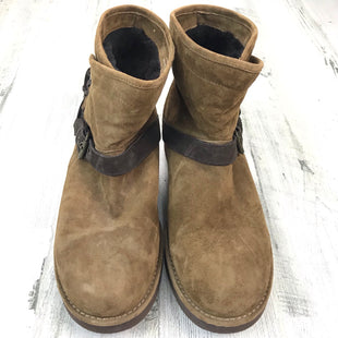 Primary Photo - BRAND: UGG STYLE: BOOTS ANKLE COLOR: BROWN SIZE: 9 OTHER INFO: KARISA BUCKLE SKU: 258-25873-38972