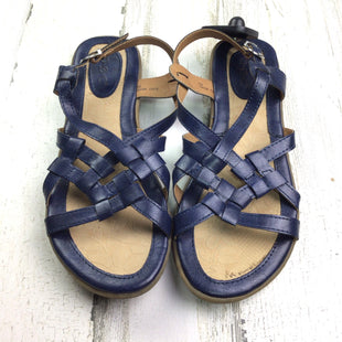 Primary Photo - BRAND: BOC STYLE: SANDALS FLAT COLOR: NAVY SIZE: 7 OTHER INFO: CRISS CROSS STRAPS SKU: 258-25873-34702