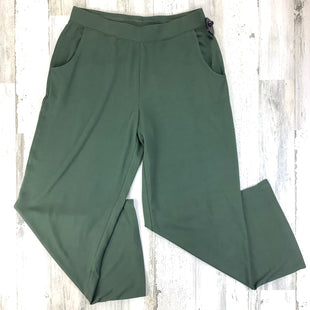 Primary Photo - BRAND:    CLOTHES MENTOR STYLE: ATHLETIC PANTS COLOR: OLIVE SIZE: M OTHER INFO: D + CO SKU: 258-25873-38725