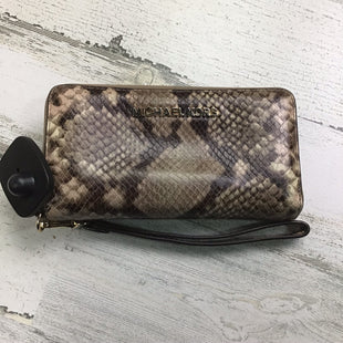 Primary Photo - BRAND: MICHAEL BY MICHAEL KORS STYLE: WRISTLET COLOR: BROWN OTHER INFO: SNAKESKIN PRINT SKU: 258-25885-31945