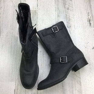 Primary Photo - BRAND: HUSH PUPPIES STYLE: BOOTS ANKLE COLOR: GREY SIZE: 8 OTHER INFO: BUCKLE W/ CLOTH SKU: 258-25877-20344