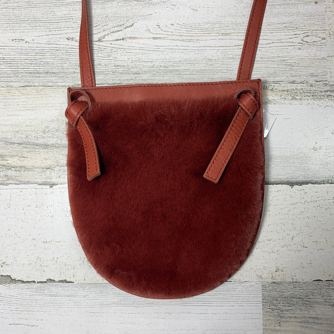 Photo #1 - BRAND: MADEWELL <BR>STYLE: HANDBAG <BR>COLOR: RED <BR>SIZE: SMALL <BR>OTHER INFO: CROSSBODY LEATHER <BR>SKU: 258-25898-10176