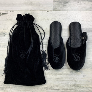 Primary Photo - BRAND: VICTORIAS SECRET STYLE: SLIPPERS COLOR: BLACK SIZE: 5 OTHER INFO: W/ BAG SKU: 258-25877-20220