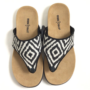 Primary Photo - BRAND: MINNETONKA STYLE: SANDALS FLAT COLOR: BLACK WHITE SIZE: 8 SKU: 258-258113-11984