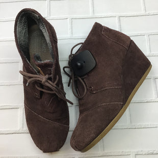 Primary Photo - BRAND: TOMS STYLE: BOOTS ANKLE COLOR: BURGUNDY SIZE: 7 OTHER INFO: AS IS SUEDE SKU: 258-258111-8025