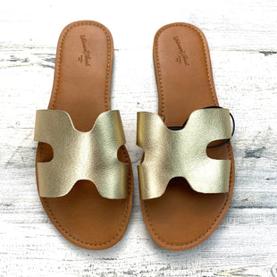 Primary Photo - BRAND: UNIVERSAL THREAD STYLE: SANDALS FLAT COLOR: GOLD SIZE: 9 SKU: 258-25873-38545