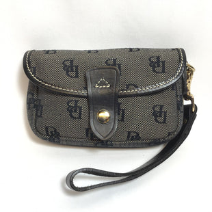 Primary Photo - BRAND: DOONEY AND BOURKE STYLE: WRISTLET COLOR: BLACK OTHER INFO: TAN HEALTHERED LIKE DB SIGNATURE SKU: 258-258113-3364